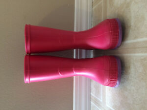 Excellent condition Kamik Rubber Boots (toddler size 8)