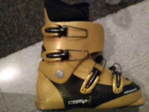Ski boots for kids age  8- 10 years