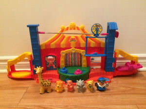 Little People Fisher Price Cirque musical en excellent état