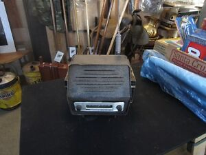MASSY FERGUSON TRACTOR RADIO Peterborough Peterborough Area image 2