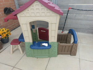 Little Tikes Mini Playhouse