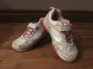 Girl's Size 11 Runners (Child)