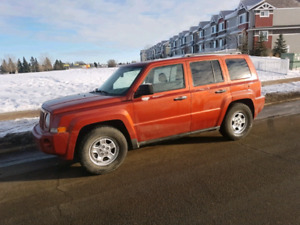 2008 Jeep Patriot Sport 4x4 ** LOW KM ** wintertires $6990