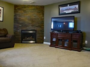 GREAT FAMILY HOME IN ESSEX Windsor Region Ontario image 4