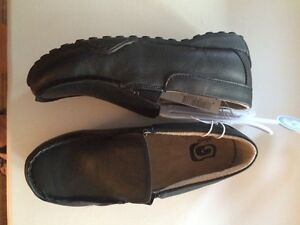 Brand new boys size 2 black dress shoes