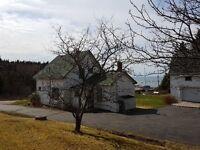 4 Bedrooms * Ocean View * Garage Barn * Heart of Harbourville