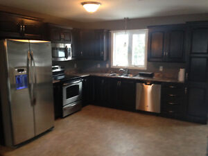 3 BEDROOM 3 BATHROOM UPSTAIRS APARTMENT FOR RENT