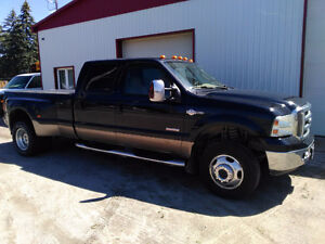 Ford F-350 Dually King Ranch Pickup Truck