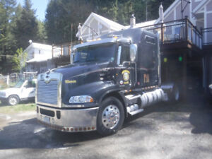 2013 Mack Pinnacle Highway Tractor