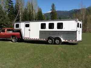 Gooseneck 3 horse trailer