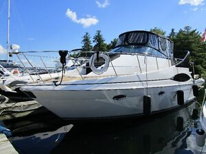 2002 Carver Mariner 350 With Optional Center Console Brig