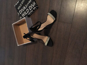 NEW WITH BOX  BLACK SATIN BLING HEELS 8.5