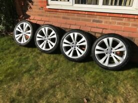 VW Alloy Wheels set of 4 with 2 brand new tyres