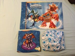Kids Twin-Sized Sheet Sets in Excellent Condition