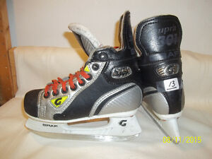 Boys/Youth Skates Size 13 (Graf Supra 301)
