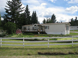 Immaculate Mobile Home 25 minutes north of Williams Lake