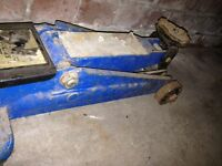 Pair axle stands and car hydraulic jack