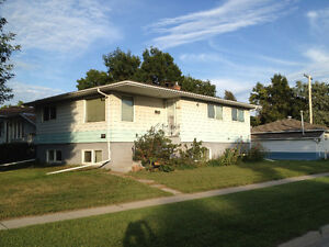 Furnished One Bedroom Suite in Quiet East End - Available now Regina Regina Area image 1