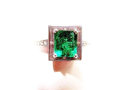 1.67 CT GREEN EMERALD RECTANGULAR CUT WITH BAGUETTE
