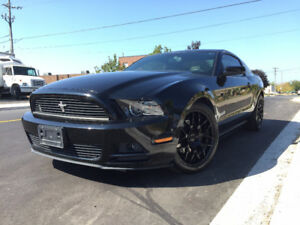 2013 Ford Mustang V6 Premium Coupe,NO ACCIDENTS, Certified