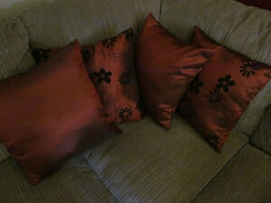 FOUR RED DECO PILLOWS