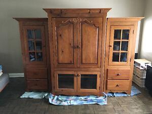 Armoire télé et rangement (2 cabinets vitrés)