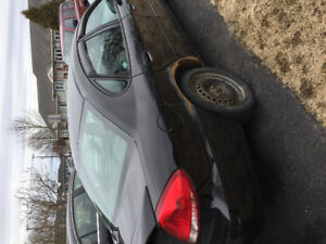2005 Ford Taurus with parts car