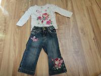 Lot vêtements (d'ensembles) pour fille 18 mois réduit