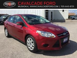 2014 Ford Focus Sedan SE with heated front seats and mirrors!!