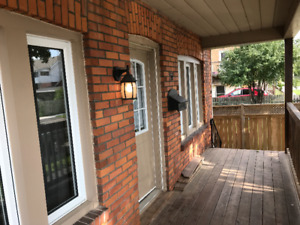 Newly Renovated 4 Bedroom Home For Lease! INCLUSIVE!
