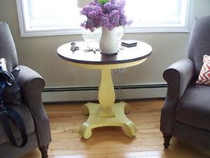 Round Luningburg Table