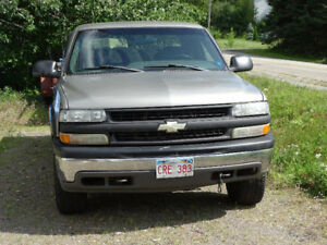02 chev 1500 extra cab short box 4whd for parts running truck.