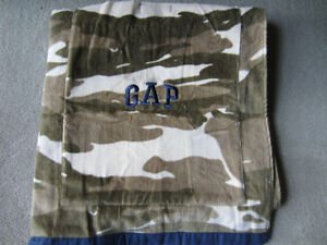 BRAND NEW - CAMOUFLAGE GAP BEACH TOWEL