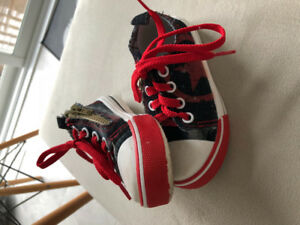 Size 8 toddler shoes