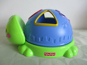 TORTUE  TRIEUR  DE  FORME  FISHER  PRICE