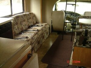 MOTORHOME RENTAL ---- PETERBOROUGH 30' Sunseeker. NO TAX