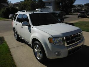 2011 Ford Escape XLT Limited SUV, Loaded