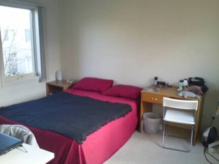 Furnished double room in Northcote