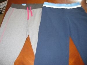 2 PAIRS OF WORKOUT CAPRIS