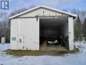 Workshop or Storage on One Acre!!