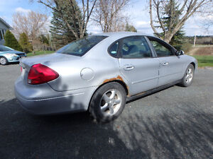Ford Taurus sel Sedan  Very reliable Belleville Belleville Area image 6