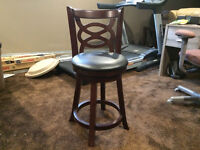 6 Swivel stools