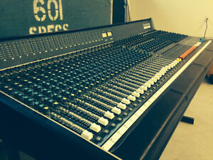 Console vintage: Soundcraft Series 6000, 36 channels, 24 bus