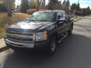 2011 Chevrolet 1500 - 64000 km One Owner