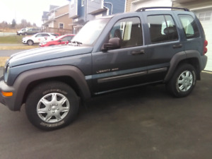 Jeep liberty clean well maintained