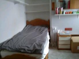 1 Single Room.