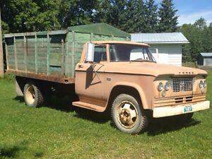 Dump truck 1960 Fargo