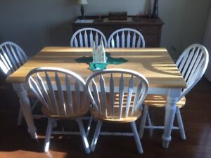 Dining / Kitchen Table Set