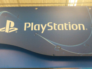 PS4 500gb  1 controller & newer games available