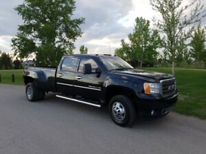 2011 GMC Sierra Denali 3500HD DRW - STOCK POWERTRAIN